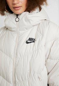 Nike Sportswear - FILL - Veste d'hiver - desert sand/pale ivory/black - 8