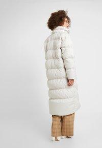 Nike Sportswear - FILL - Veste d'hiver - desert sand/pale ivory/black - 3