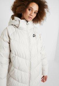 Nike Sportswear - FILL - Veste d'hiver - desert sand/pale ivory/black - 5