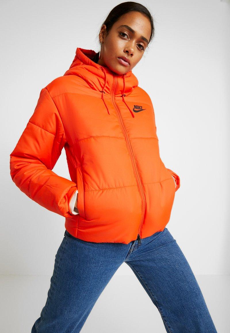 Nike Sportswear - FILL - Light jacket - team orange