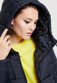 Nike Sportswear - FILL - Chaqueta de entretiempo - black/white - 3