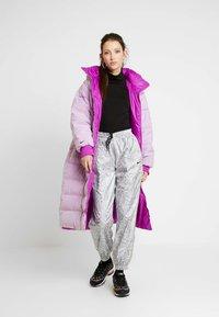 Nike Sportswear - Kabát zprachového peří - vivid purple - 1