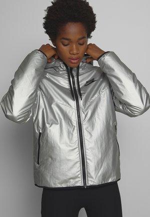 Lehká bunda - metallic silver