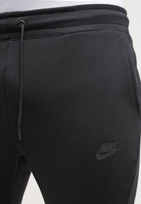Nike Sportswear - TECH - Jogginghose - black - 4