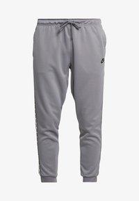 Nike Sportswear - POLY - Verryttelyhousut - cool grey/black - 5