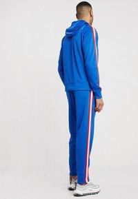 Nike Sportswear - PANT TRIBUTE - Pantalon de survêtement - game royal/sail - 2