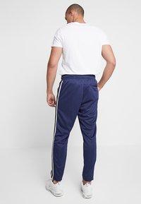 Nike Sportswear - PANT TRIBUTE - Träningsbyxor - midnight navy/white - 3