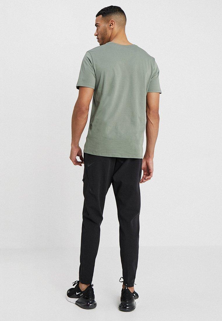 Sportswear Nike Black Nike Black Sportivi Pantaloni Pantaloni Sportivi Sportswear NnwPX8kO0