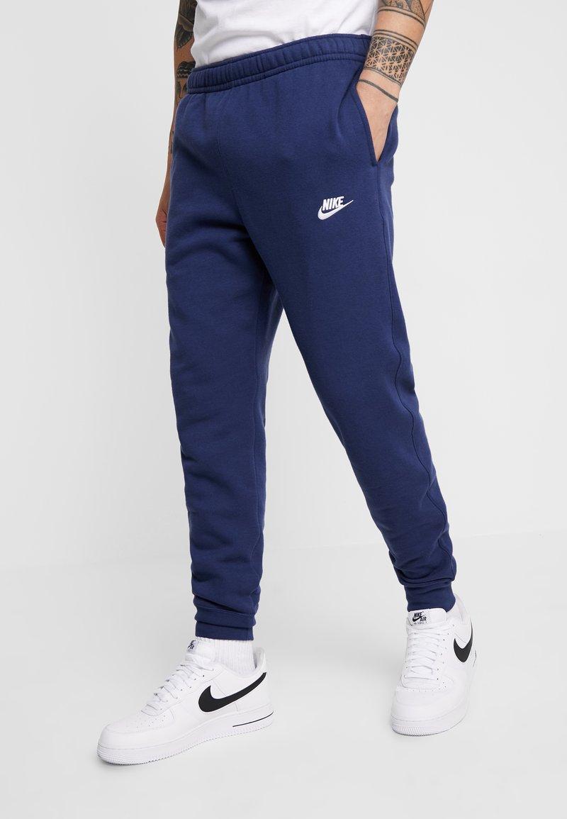 Nike Sportswear - CLUB - Verryttelyhousut - midnight navy