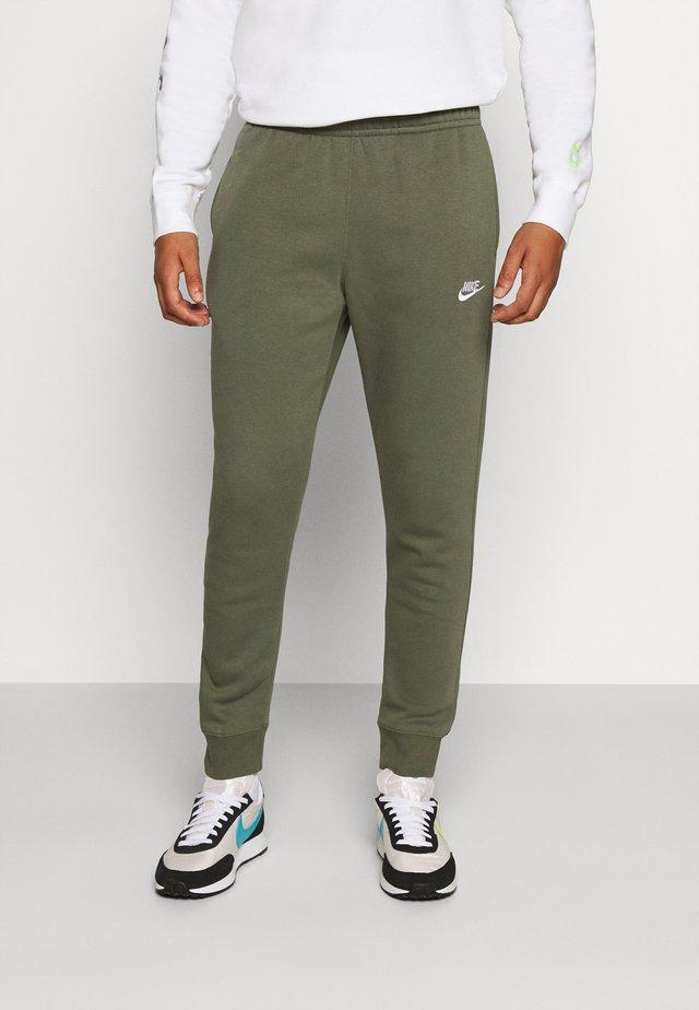 CLUB - Pantalon de survêtement - twilight marsh/white