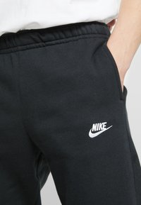 Nike Sportswear - CLUB - Jogginghose - black - 3
