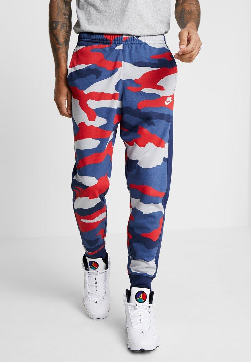 Nike Sportswear - CLUB  - Joggebukse - wolf grey/midnight navy/summit white