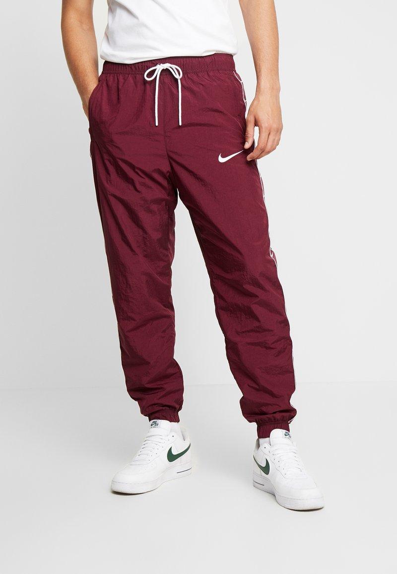 Nike Sportswear - PANT - Joggebukse - night maroon/white