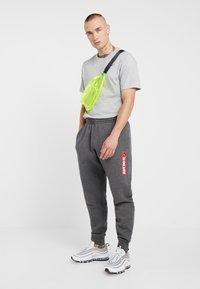 Nike Sportswear - Joggebukse - charcoal heather - 1