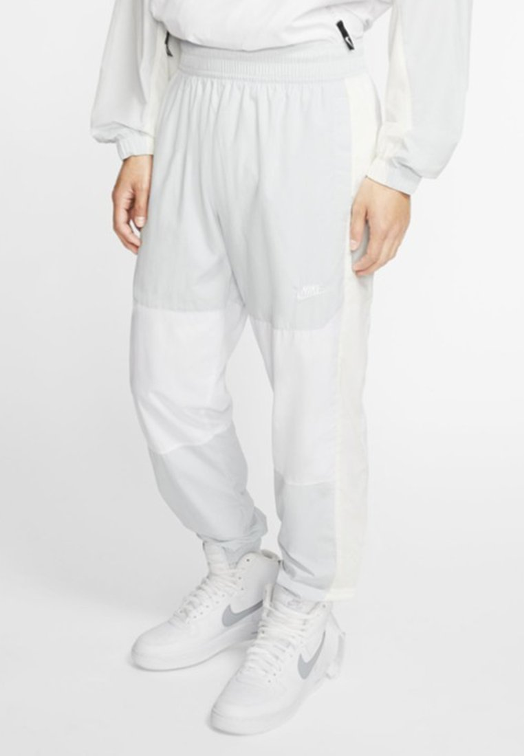 Nike Sportswear - ISSUE PANT - Tracksuit bottoms - pure platinum/white/sail
