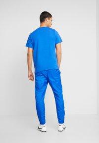 Nike Sportswear - PANT PATCH - Teplákové kalhoty - game royal - 2