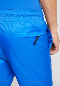 Nike Sportswear - PANT PATCH - Teplákové kalhoty - game royal - 5