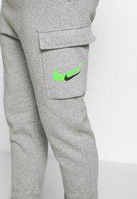 Nike Sportswear - PANT CARGO - Tracksuit bottoms - grey heather - 5