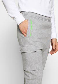 Nike Sportswear - PANT CARGO - Tracksuit bottoms - grey heather - 3