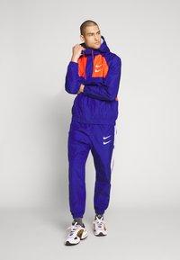 Nike Sportswear - Verryttelyhousut - deep royal blue/white - 1