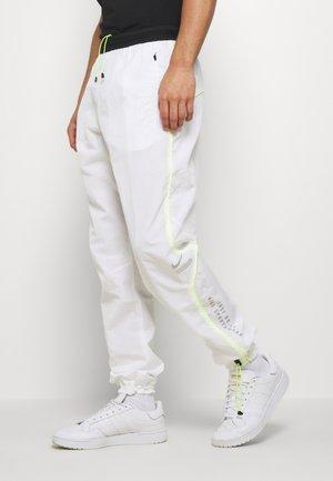 PANT - Spodnie treningowe - white/black