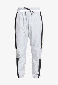 Nike Sportswear - AIR PANT - Pantalon de survêtement - smoke grey/black - 3