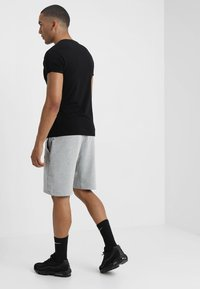 Nike Sportswear - TCH FLC - Short - dark grey heather/dark grey/black - 2