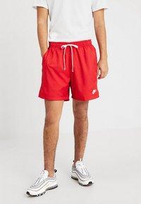 Nike Sportswear - FLOW - Shorts - university red - 0