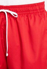 Nike Sportswear - FLOW - Shorts - university red - 5