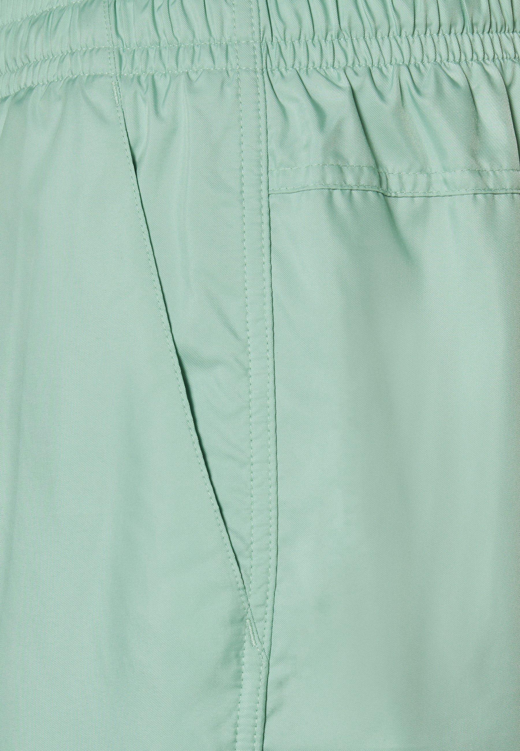 FLOW Shorts pistachio frostwhite