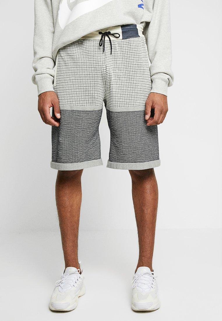 Nike Sportswear - Shorts - fossil/dark obsidian
