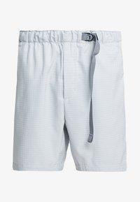 Nike Sportswear - GRID - Shorts - pure platinum/summit white - 5