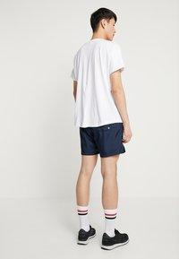 Nike Sportswear - FLOW - Kraťasy - obsidian - 2
