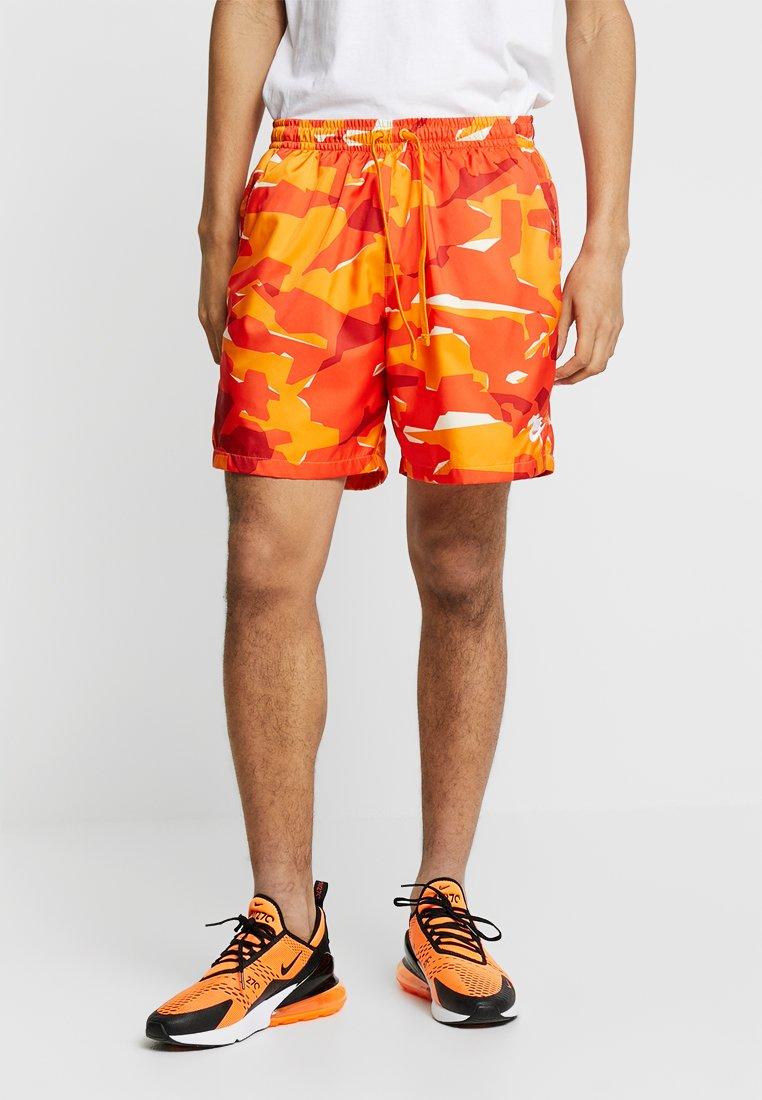 Nike Sportswear - Shorts - orange peel