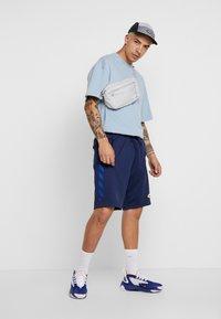 Nike Sportswear - SUBSET - Träningsbyxor - midnight navy/black - 1