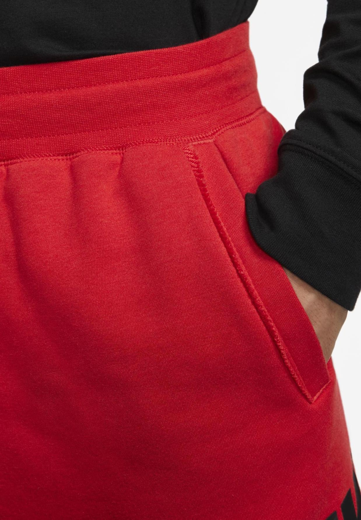 Nike Sportswear FT ALUMNI  - Shorts - university red/black