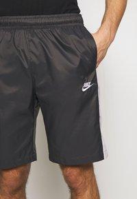Nike Sportswear - CORE  - Shorts - anthracite/vast grey - 5