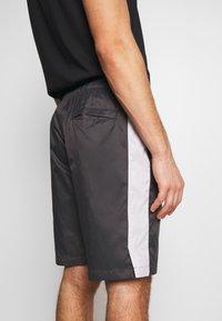 Nike Sportswear - CORE  - Shorts - anthracite/vast grey - 3