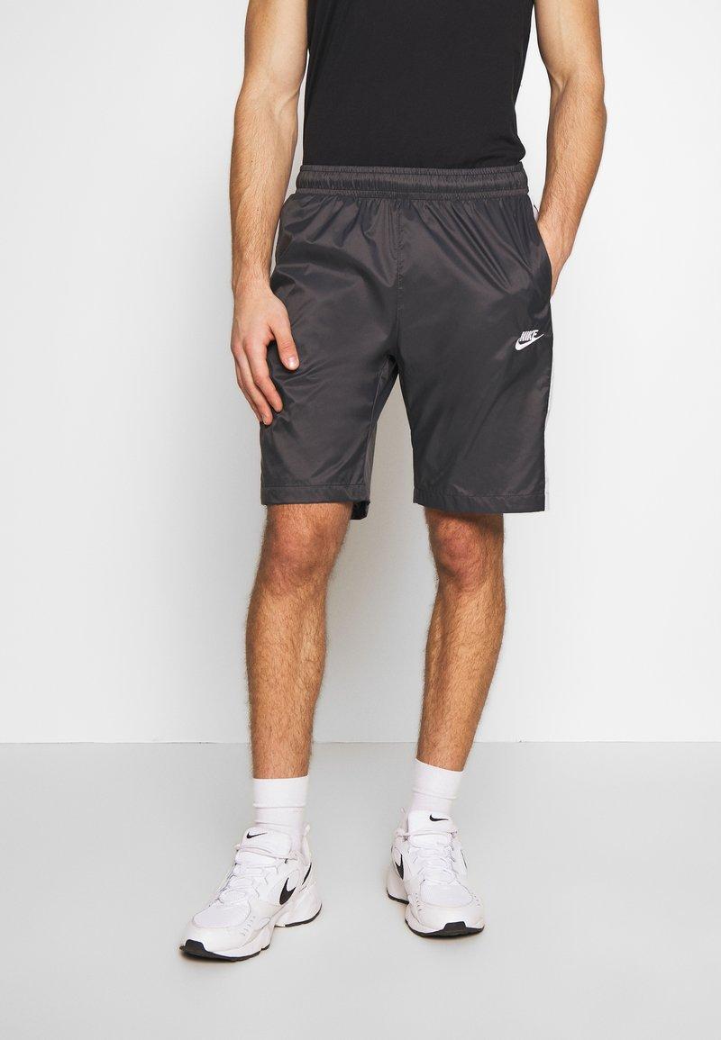 Nike Sportswear - CORE  - Shorts - anthracite/vast grey