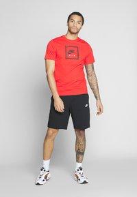 Nike Sportswear - CLUB - Szorty - black/white - 1