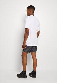 Nike Sportswear - FESTIVAL  - Shorts - dk smoke grey/volt - 2