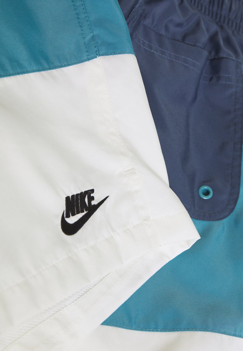 Nike Sportswear Shorts - diffused blue/cerulean/sail/black