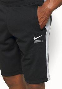 Nike Sportswear - Shorts - black/smoke grey/white - 4
