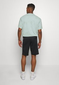 Nike Sportswear - Shorts - black/smoke grey/white - 2