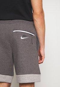 Nike Sportswear - AIR - Trainingsbroek - grey/charcoal - 5