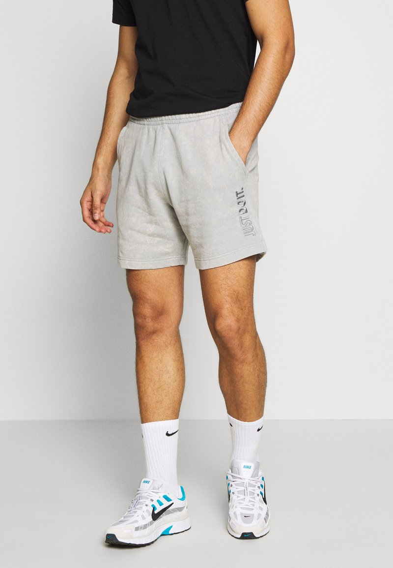 Nike Sportswear - WASH - Trainingsbroek - smoke grey
