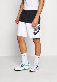 Nike Sportswear - ALUMNI - Shorts - black/white - 0