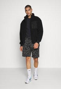 Nike Sportswear - Shortsit - black/(black) - 1
