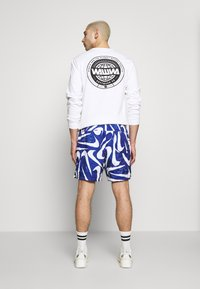 Nike Sportswear - FLOW - Shorts - deep royal blue/white - 2