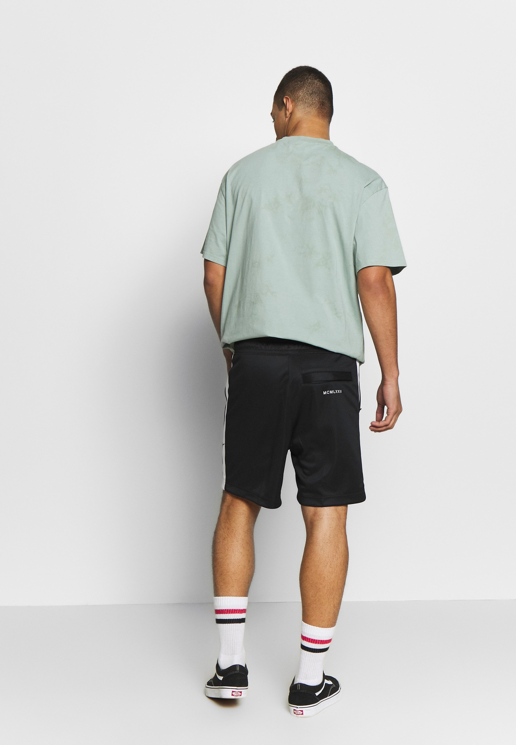 Nike Sportswear Short - Black/white